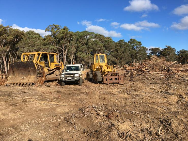 Earthworks, Civil works, Roadworks, Drainage, Driveways, Landscaping, Plantation stump removal, Survey and Engineering,Crushing/Screening, house pads, dams, Denmark, Denmark WA, Denmark western Australia, great southern earthworks, Denmark earthworks
